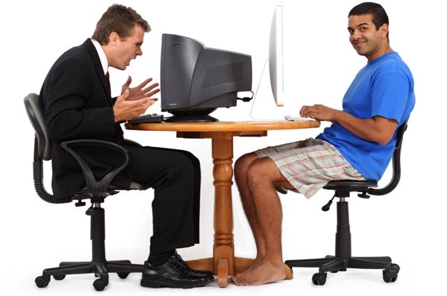 рабочие за столом