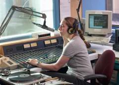 ведущая на радио