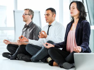 Йога на работе в качестве нематериальной мотивации сотрудников
